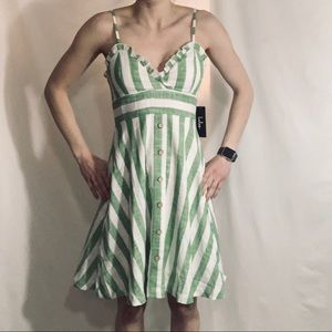 NEW Lulus green & white striped cotton dre…